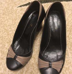 Γυναικεία δερμάτινα παπούτσια μάρκας Kruzo collection
