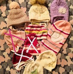 Pălării, panama, zgârieturi pentru fete