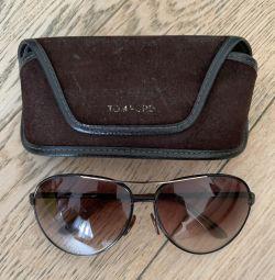 Τα γυαλιά Tom Ford