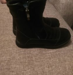 New winter boots 33