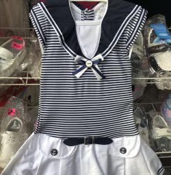 Elbiseler kızlar için yeni. Satışa!