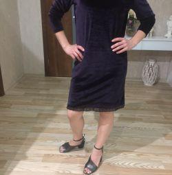 Платье сиреневое бархатное