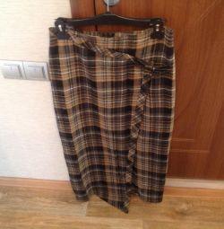 Women's skirt (44-46).