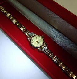 585 ceasuri cu diamante