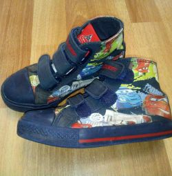 Wheelbarrow sneakers, size 29, 18 cm on the insole