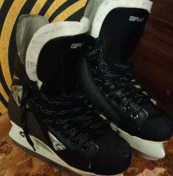 Skates 35 r