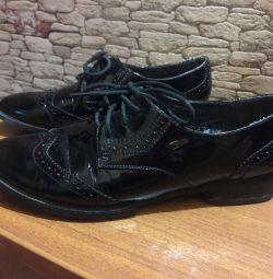 Шкіряні черевички брендові