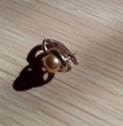 Earring with pearls. silver