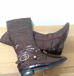 Нові шкіряні чоботи Casadei