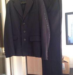 Σχολικό κοστούμι για ύψος 146-152 cm.