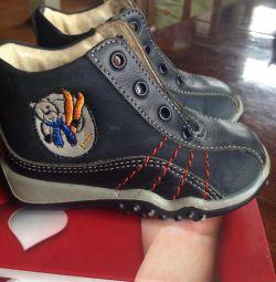 Children's sneakers, children's shoes