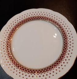 Set of plates new