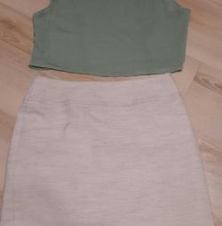 The skirt is flax. Crop top incity 44