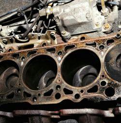 Çıkışta araba tamircisi