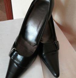 Pantofi clasic