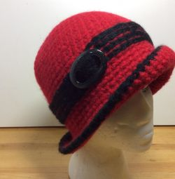 Чудесная шляпка красного цвета, р-р 53-56, арт 183
