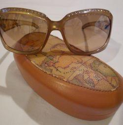 Glasses by Alvero Marini