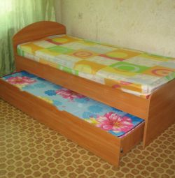 Retractable bed. 2 beds