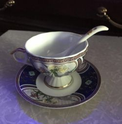 Cupe de cafea cu farfurioară și lingură