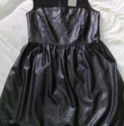 Noua rochie de seara marca sub piele cu guipure Spania