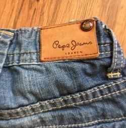 Фирменные шорты джинсовые