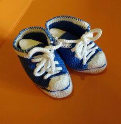 Πλεκτά πάνινα παπούτσια για φωτογραφίες. Μποτάκια