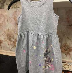 Хороші добротні сукні для дівчинки