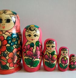Matryoshka 5 în 1 ori a URSS