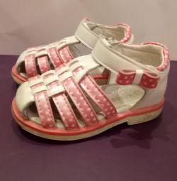 Sandals 22r.