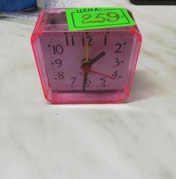 New quartz alarm clock
