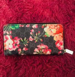 Gucci Wallet with Flowers