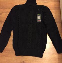 New warm sweater