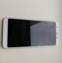 Telefon MI A2
