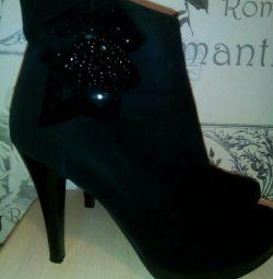 Μπότες αστράγαλο όμορφο μέγεθος 38