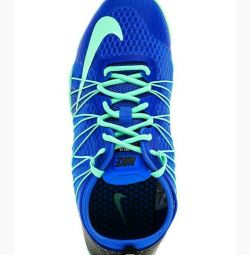 New Nike free sneakers