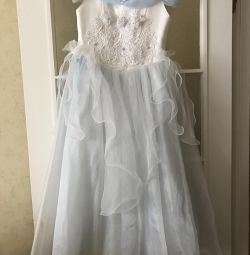 5-7 yıl boyunca elbise