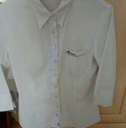 155 - 165 boy için okul bluzu, büyüklük 44 - 46