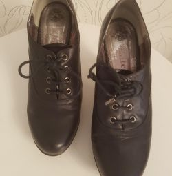 New Shoes genuine leather of river 38
