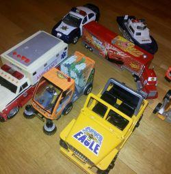 Παιδικά αυτοκίνητα.