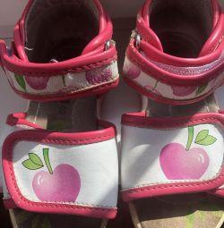 Παιδικά σανδάλια Bambini
