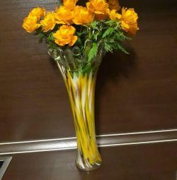 Uzun boylu vazolar.