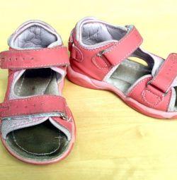 Kız için ortopedik sandalet, 26 beden