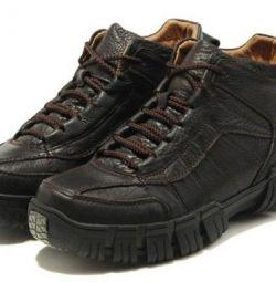 зимові черевики Camel