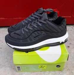 Кроссовки Naik Adidas