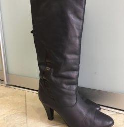 Demi μπότες. Μέγεθος 38, στην εσωτερική σόλα 24 cm.
