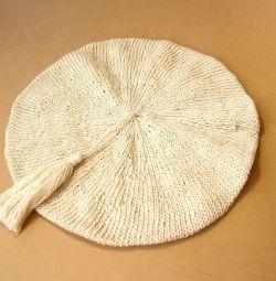 Femei din tricot, realizate manual cu ciuc