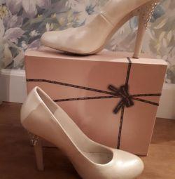 Ayakkabılar, 39 s.