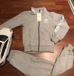 Costume Adidas teenage