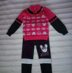 A suit for a girl 3-4 years old.