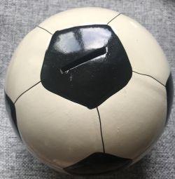 Balon de fotbal mare la porci